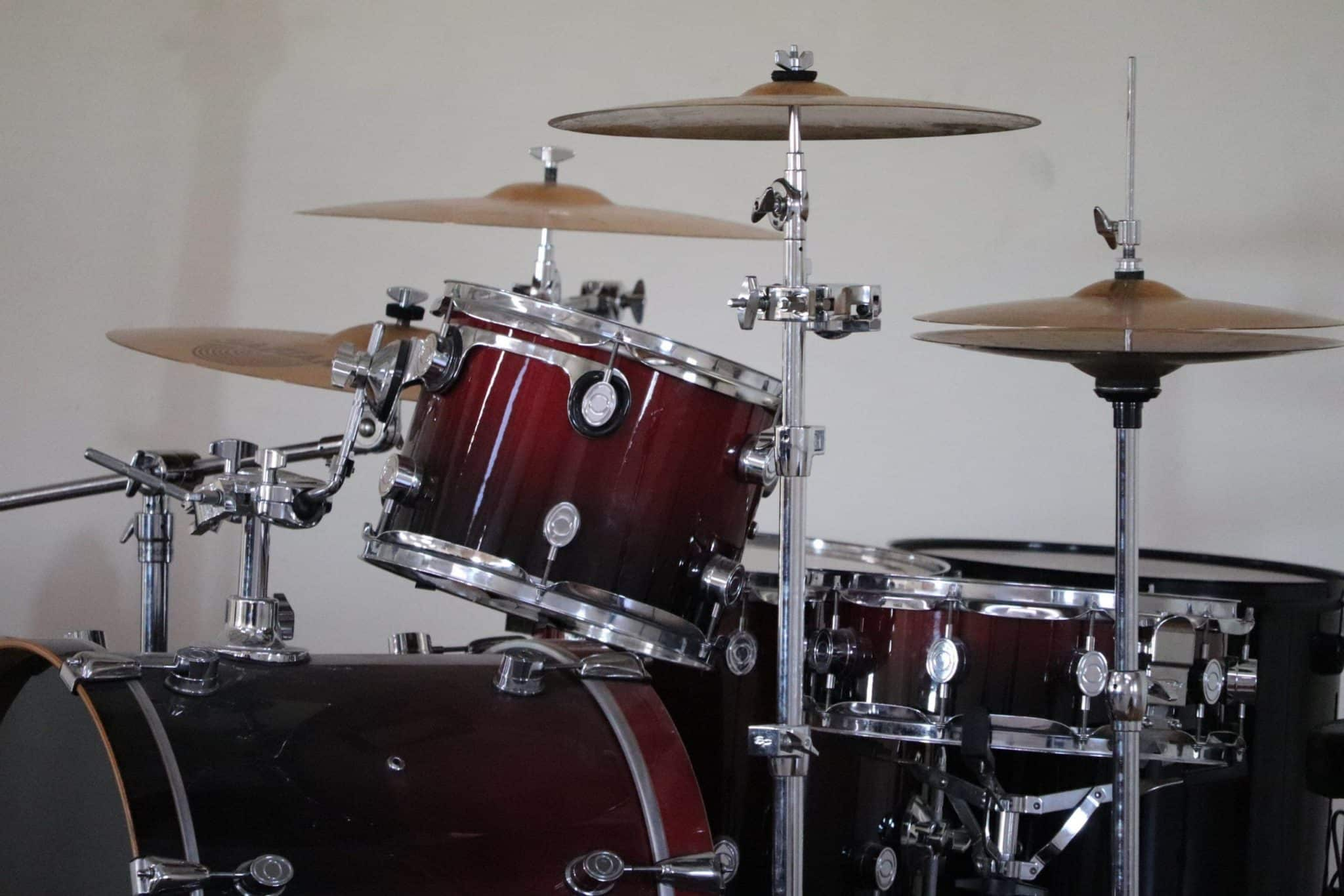 """Drum Room Mics And Low End – The Fine Line Between """"Huge"""" and """"Muddy"""""""